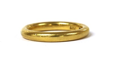 Lot 52 - A 22ct gold wedding ring