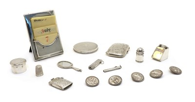 Lot 34 - A collection of silver items