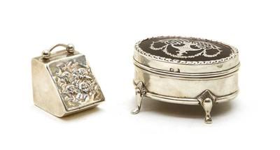 Lot 26 - An Edwardian silver dressing table box