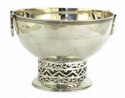 Lot 67 - A silver bowl