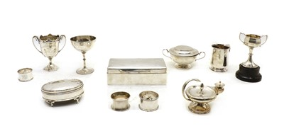 Lot 37 - A collection of silver items