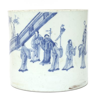 Lot 28 - A Chinese blue and white brush pot