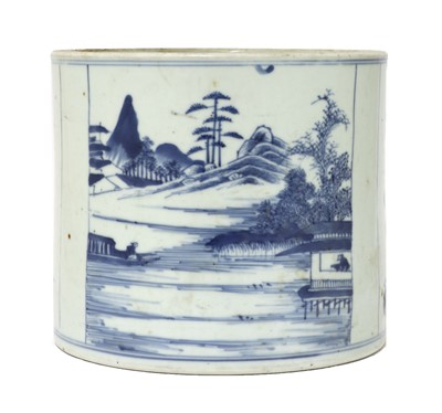 Lot 27 - A Chinese blue and white brush pot