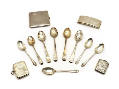 Lot 32 - A collection of silver items