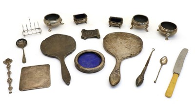 Lot 33 - A collection of silver items
