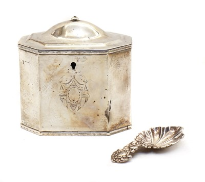Lot 3 - An Edwardian silver tea caddy