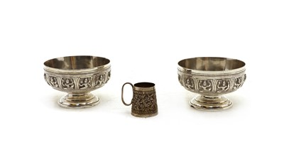 Lot 36 - A pair of late 19th/early 20th century Indian silver finger bowls