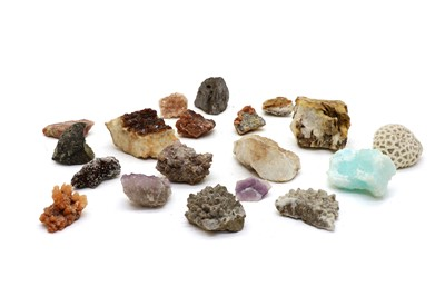 Lot 105 - A quantity of gem-like minerals and hardstones