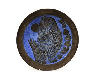Lot 104 - A Poole Aegean 'Blue Moon Owl' charger