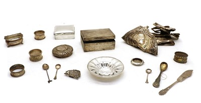 Lot 41 - A quantity of silver and silver plated items