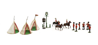 Lot 54 - A collection of lead toy soldiers