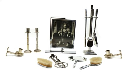 Lot 44 - A collection of Art Deco wares