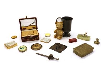Lot 67 - Miscellaneous items