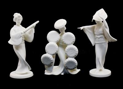 Lot 60 - A Noritake Toki Geisha with parasol porcelain figure