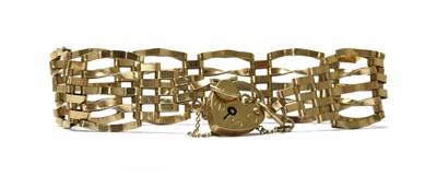 Lot 114 - A 9ct gold gate bracelet