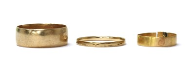 Lot 98 - A 9ct gold wedding ring