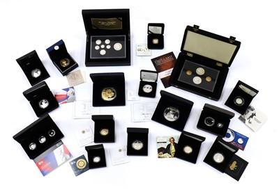 Lot 45 - Coins, Great Britain & World, Elizabeth II (1952-)