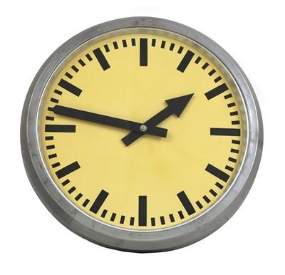 Lot 510 - An Elfema electrical impulse clock