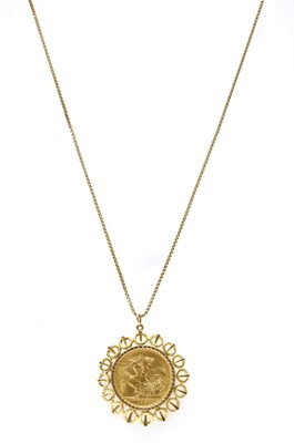 Lot 101 - An Elizabeth II sovereign pendant