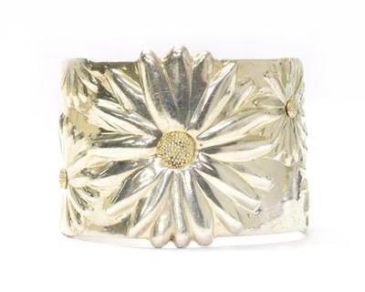 Lot 39 - A silver daisy torque cuff bangle, by Tiffany & Co.