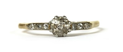 Lot 46 - A gold diamond ring