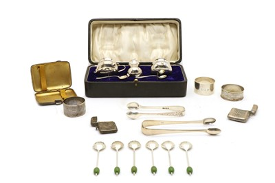 Lot 25 - A collection of silver items