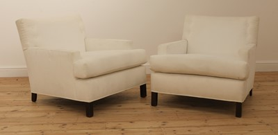 Lot 579 - A pair of armchairs