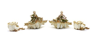 Lot 72 - A pair of Continental porcelain shell form cache dishes