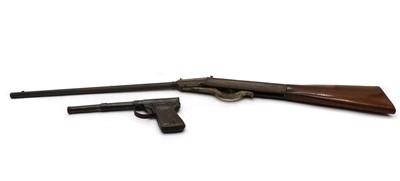 Lot 32 - A vintage 'Garanla' tin plate air pistol